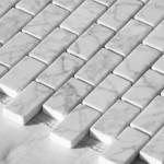mosaico 30x30 sfalsato composto da 72 pz.di rettangoli 2,4x4,8 in marmo